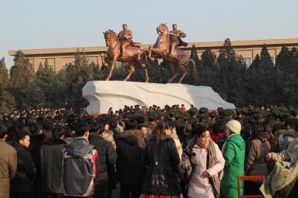 4-statues